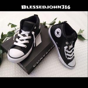 Converse Black Leather Juniors Size 2 Unisex